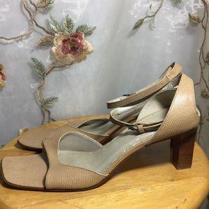 ✨Unisa Textured Leather Sandals~Wood Heel~Brazil